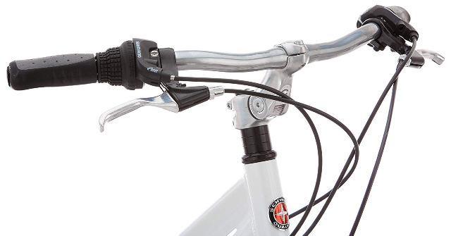 Schwinn discover women's hybrid bike handlebar